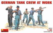 GER-TANK-CREW-AT-WORK_35010