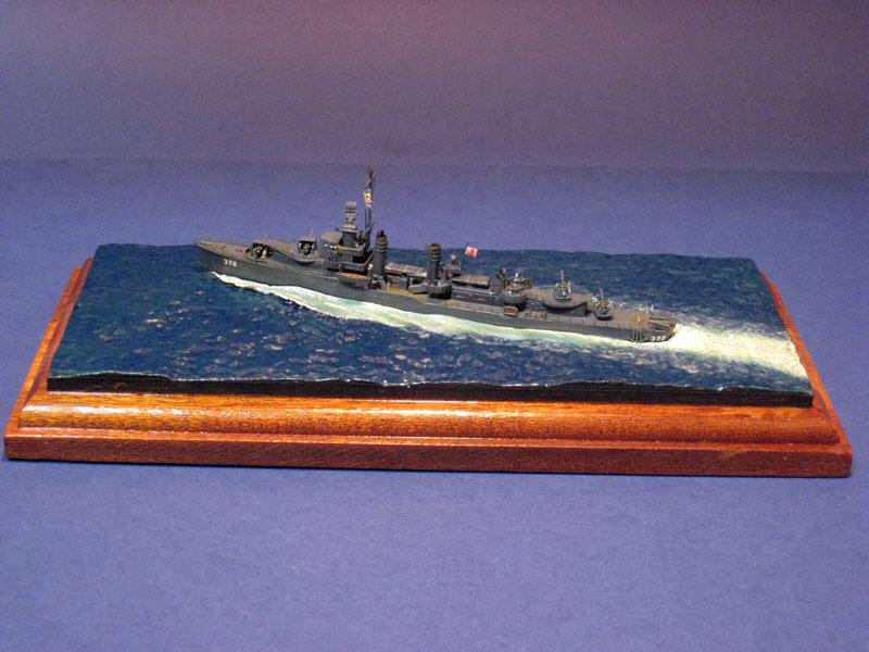 USS_Cassin_DD372-001