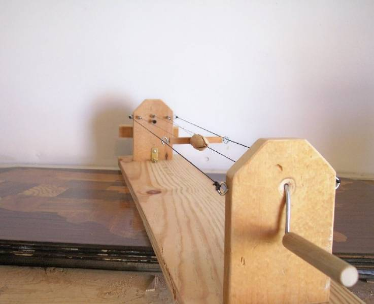 RopeWalk: Single Handcrank